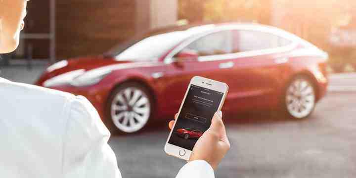 Tesla, mobil uygulamasına birbirinden kullanışlı 3 yeni özellik ekledi